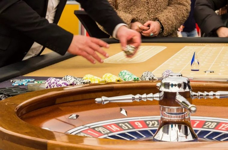 The Advantages You Enjoy By Playing Online Casino Games Living